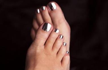 Minxed Nails