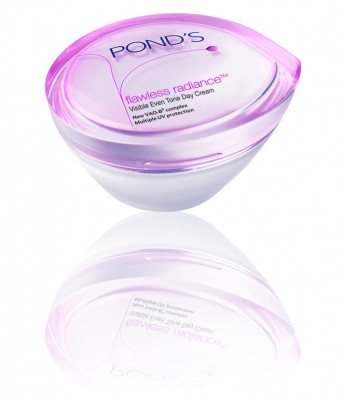 PONDS Visible Even Tone Day Cream