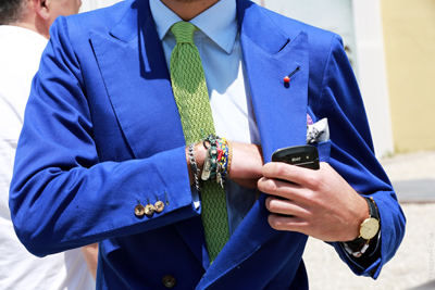 Bring your outfit together with the colours in your armswag.