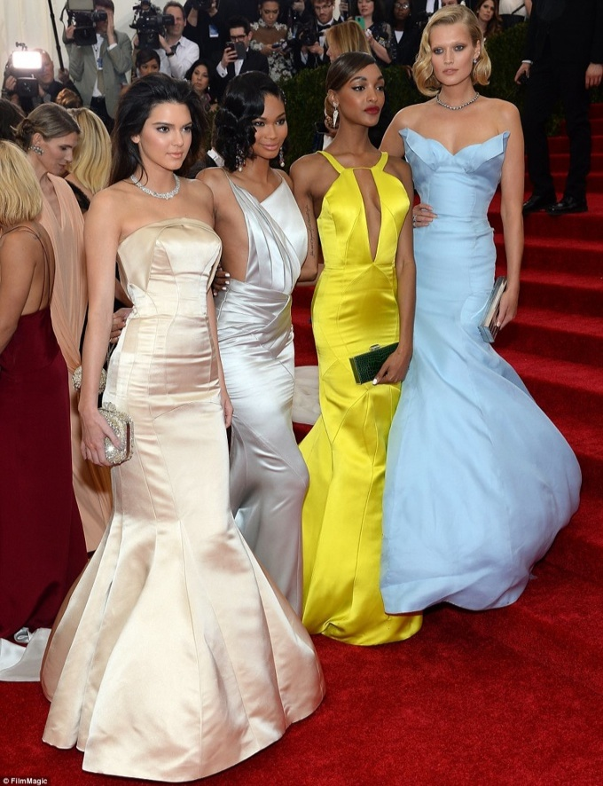 Kendal Jenner with models Chanel Iman, Jourdan Dunn and Toni Garrn