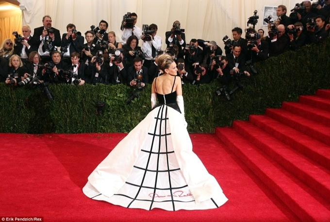 Sarah Jessica in Oscar de la Renta at The Met Gala 2014